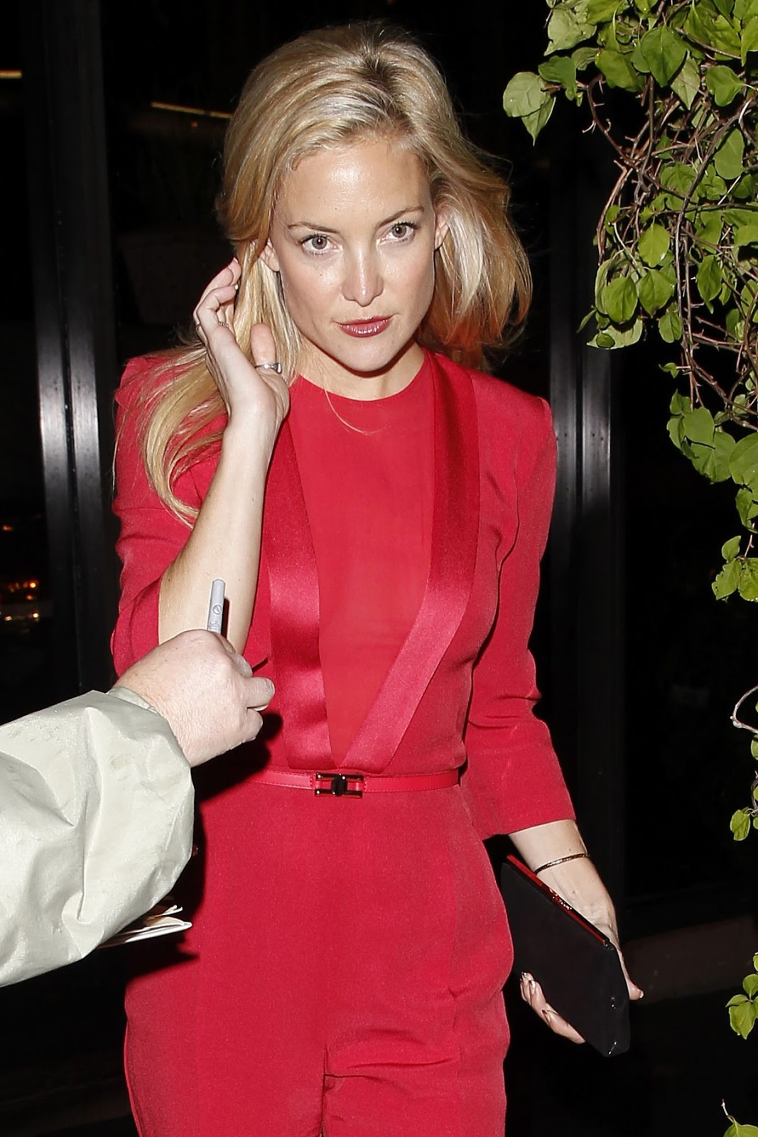 HQ Hot Photos of Kate Hudson Leaves Madeo Restaurant In Beverly Hills