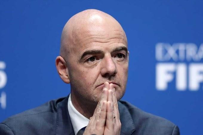 FIFA le pide a jugadores que bajen sus sueldos en un 50%