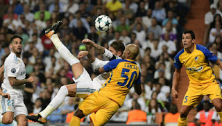 Aksi Sergio Ramos Cetak Gol Salto Indah di Liga Champions