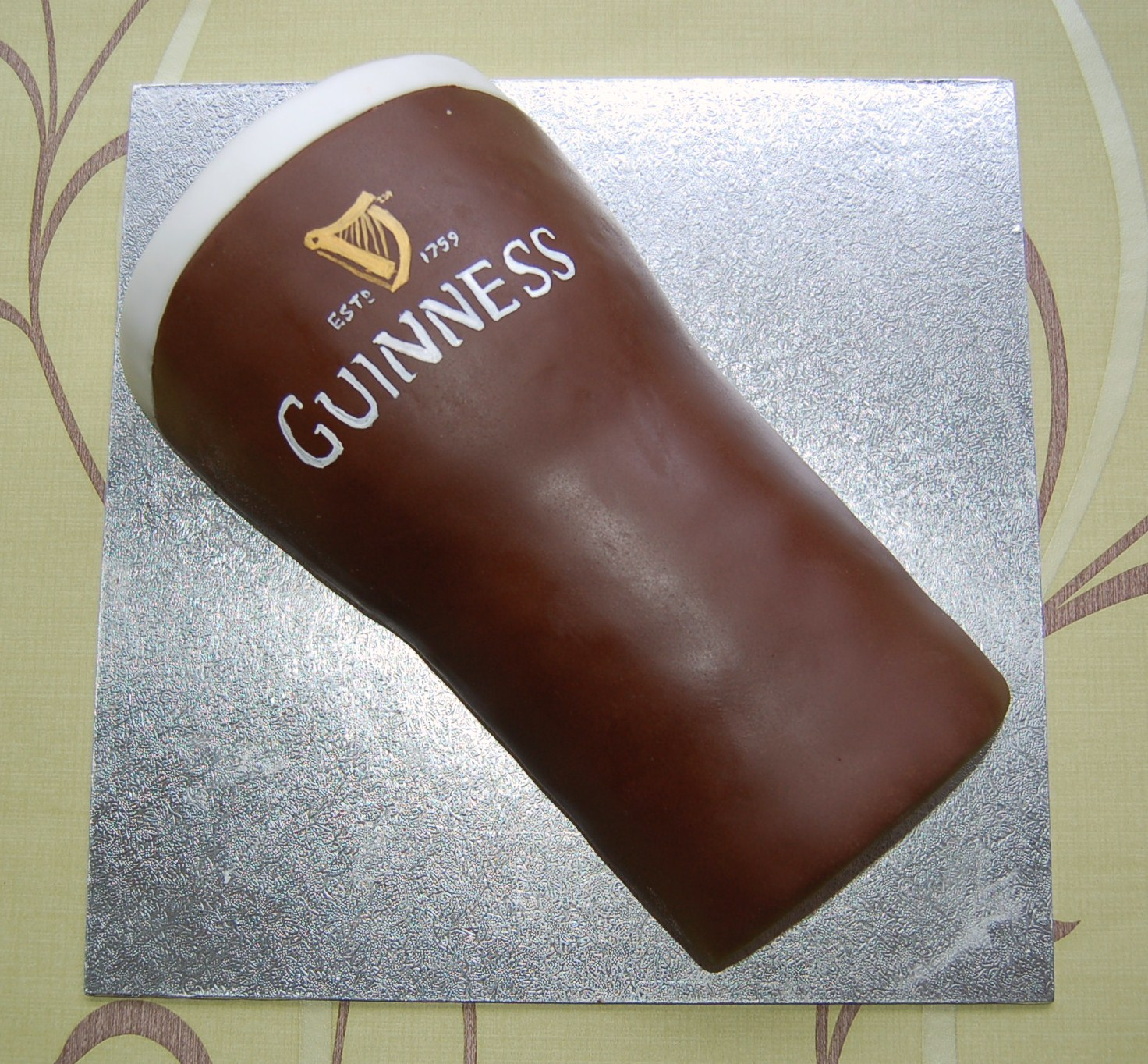How To Make A Pint Glass Cake