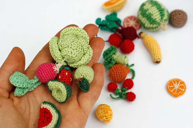 Miniature crochet veggies and fruits by TomToy