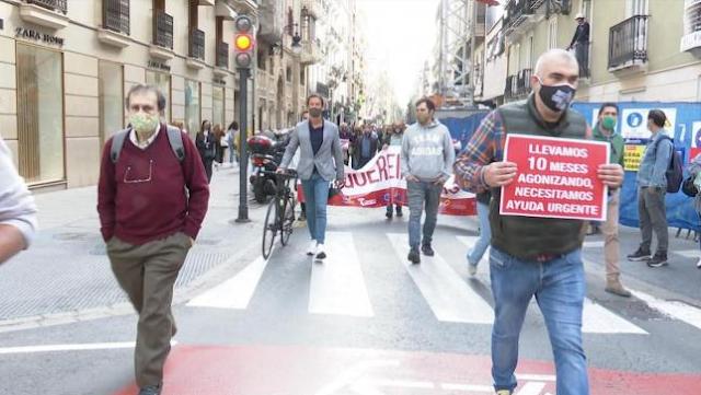 """La hosteleria de Benidorm opta por no abrir """"fuera de la ley"""" y reivindicar ayudas mediante manifestaciones"""