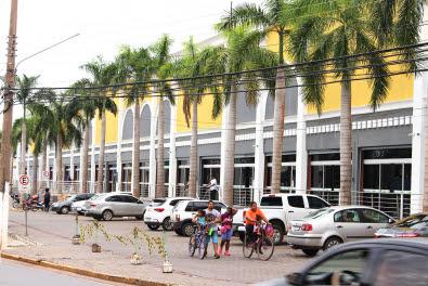 Justiça condena shopping em Cuiabá por acusar inocente de roubo