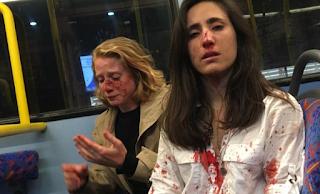 Ζήτησαν από αεροσυνοδό να φιληθεί με την φίλη της και όταν αρνήθηκε τις πλάκωσαν στο ξύλο