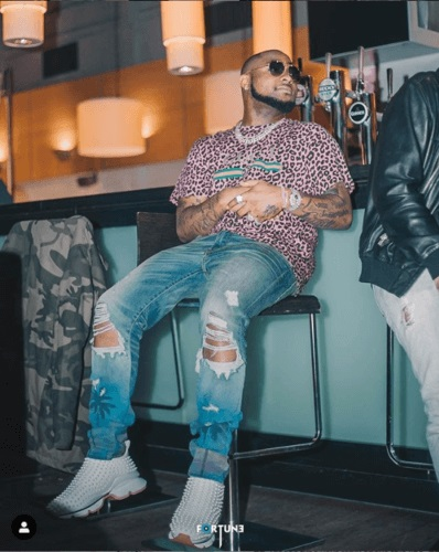 Davido Punches A Guy Who Allegedly Tries To Take A Picture Of Him Without His Consent In Dubai