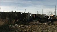 """(ФОТО) Огнём полностью уничтожены надворные постройки, гараж, баня, два легковых автомобиля """"Mitsubishi Galant"""""""