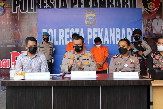 Dua Pelaku Pemalsuan Hasil Test Swab Ditangkap Polsek Bukit Raya