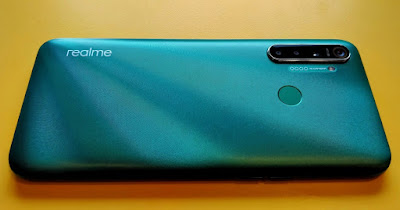 Mencoba Realme 5i dengan Teknologi Canggihnya