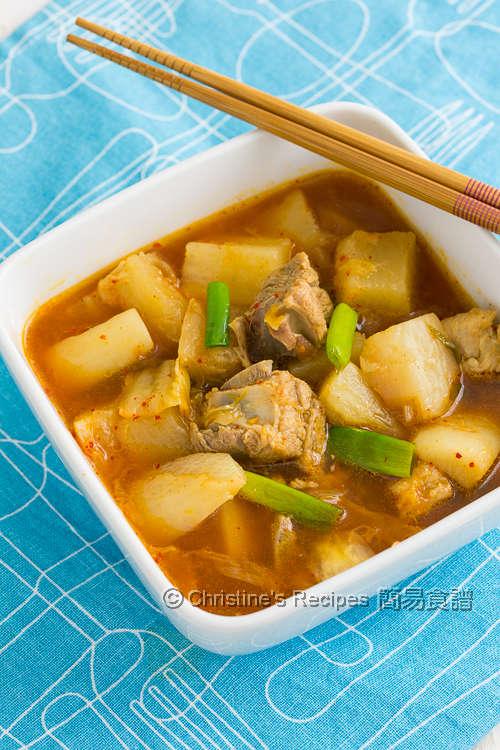Braised Kimchi Radish and Pork Ribs01