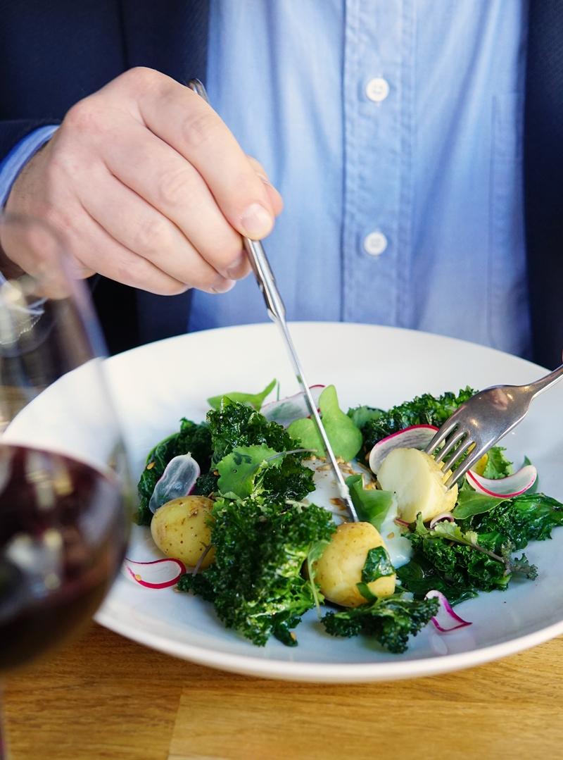Lehtikaali, salaatti, ravintola heldinki