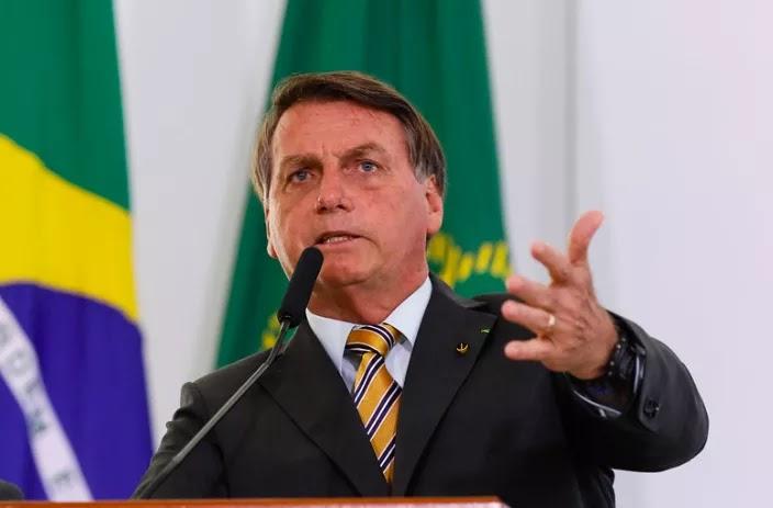 """Fábricas de Fake News: """"Folha de S.Paulo, O Globo, O Estado de S. Paulo  e o Antagonista"""" Disse o presidente."""
