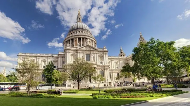 4. St Paul's Cathedral