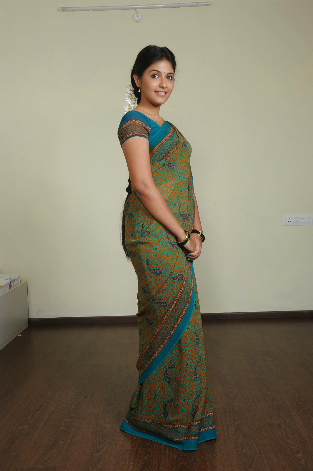Cute Tamil Actress Wallpapers Anjali Cute Looks In Saree Photos