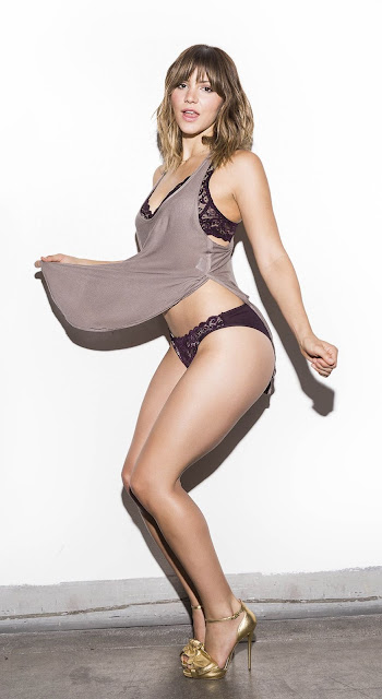Katharine McPhee Sexy Legs