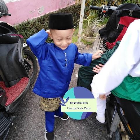Adik Rayyan Sambut Hari Raya Di Sekolah