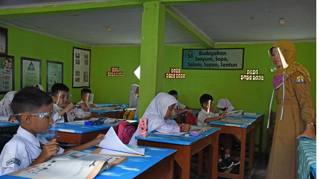 KBM Tatap Muka Diundur di Kota Tasikmalaya, Januari Gagal Sekolah