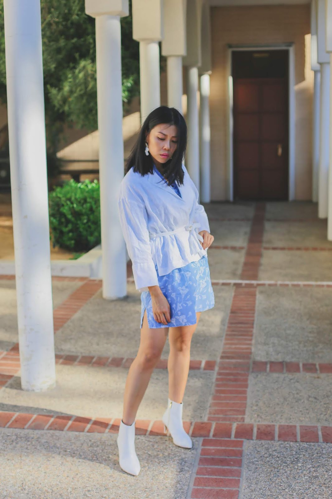 white blazer and denim dress outfit idea
