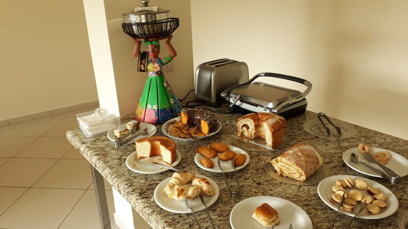 Café da manhã no Apart Hotel Água Limpa em Prados