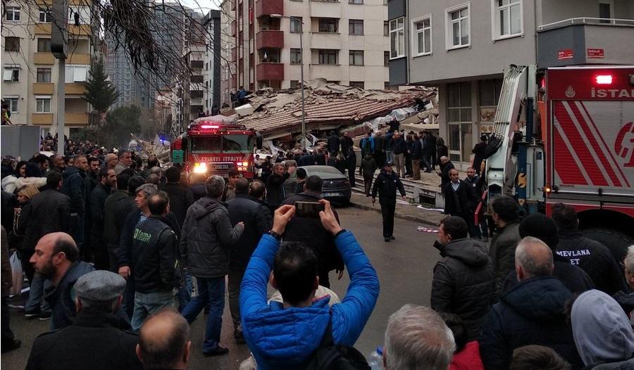 Kartal'da 8 katlı bina çöktü. Ölü ve yaralılar var!