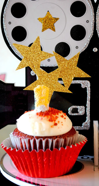 And the Oscar cupcake goes to.. Find out at www.fizzyparty.com