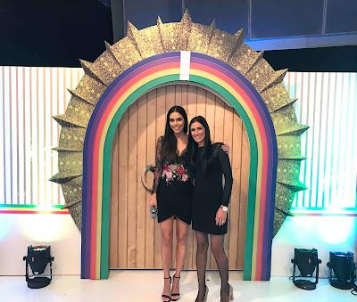 A apresentadora reencontra a melhor amiga, Carla Castelari, no 'Porta de Esperança' - Crédito/Foto: Divulgação/RedeTV!