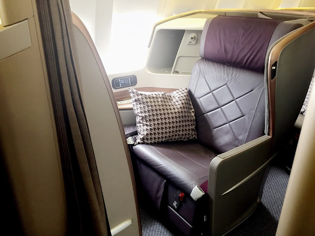 Singapore Airlines Business Class Boeing 777-300ER SQ326 Review