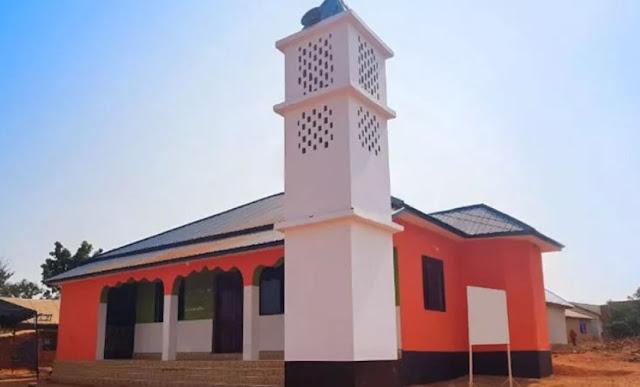مسجد أبو فله ومتابعينه