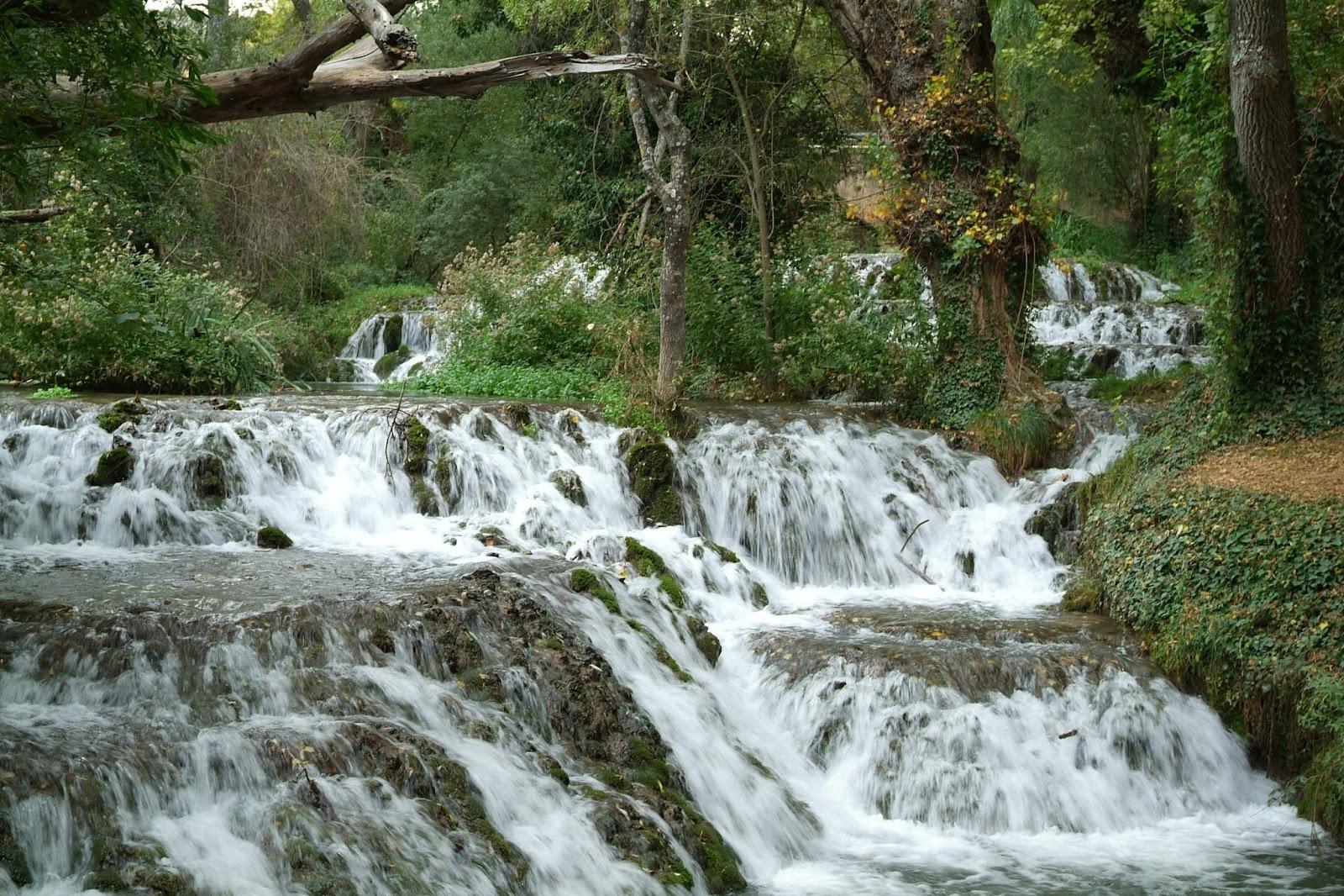 Los pasos que dejamos atr s senderismo en gran canaria for Cascadas con piedras