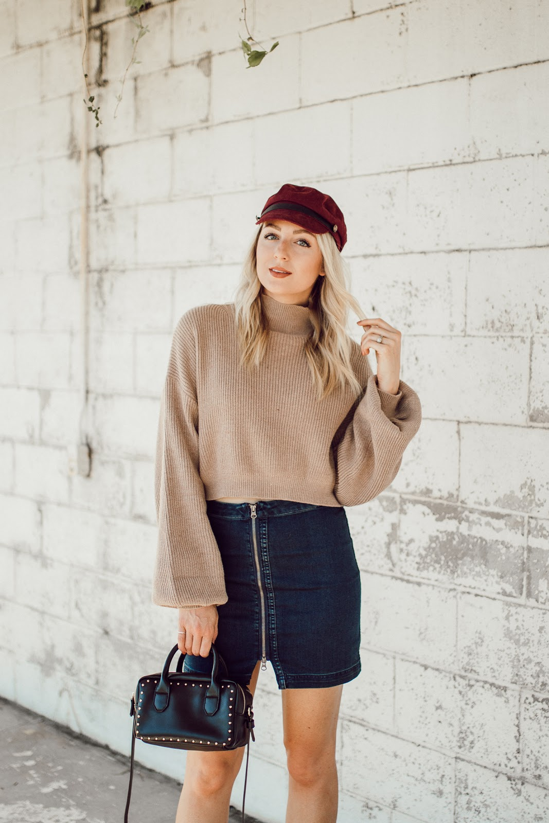 baker boy cap, chunky sweater