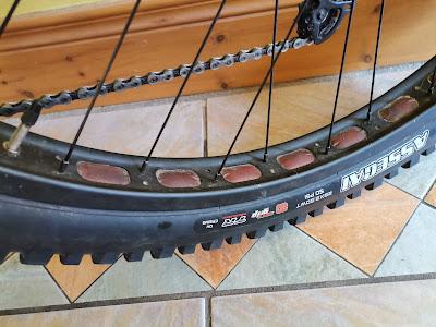 Tubeless Tires Setup