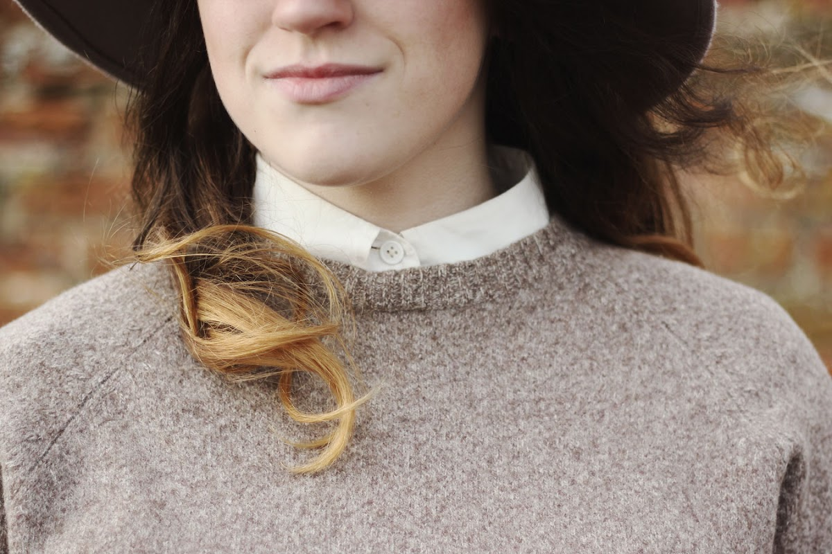 Blogger collar jumper layering | www.itscohen.co.uk