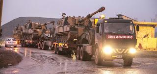 تركيا ترسل دبابات وتعزيزات عسكرية جديدة إلى الحدود السورية (فيديو)