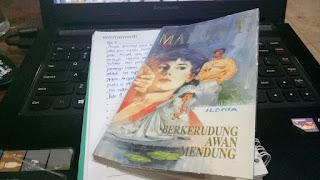 Sinopsis dan Jual Novel Marga T Berkerudung Awan Mendung