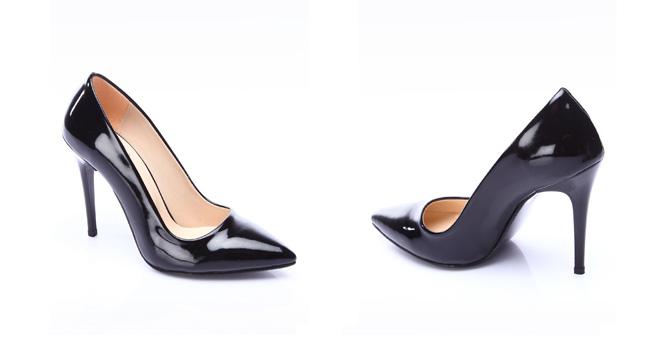 Pantofi Stiletto negri piele lacuita ieftini de zi si tinute office