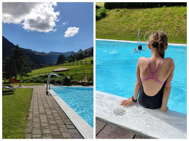 Pool im Familotel Lengauer Hof