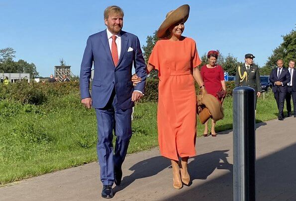 Queen Maxima wore a new dress from Natan. Belgian fashion house Natan. She wore a suede pumps from Gianvito Rossi. Fabienne Delvigne hat