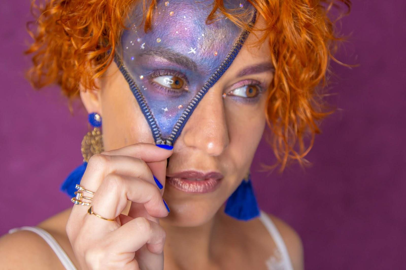 Un maquillage galaxie avec des produits naturels