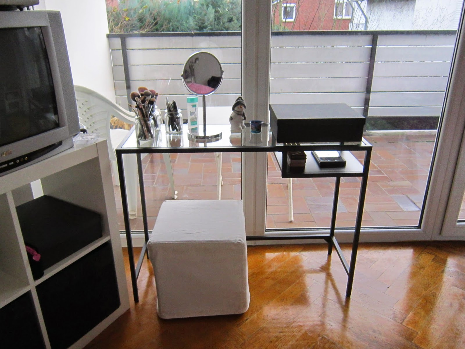 michele bloggt schminktisch update dezember 39 14. Black Bedroom Furniture Sets. Home Design Ideas