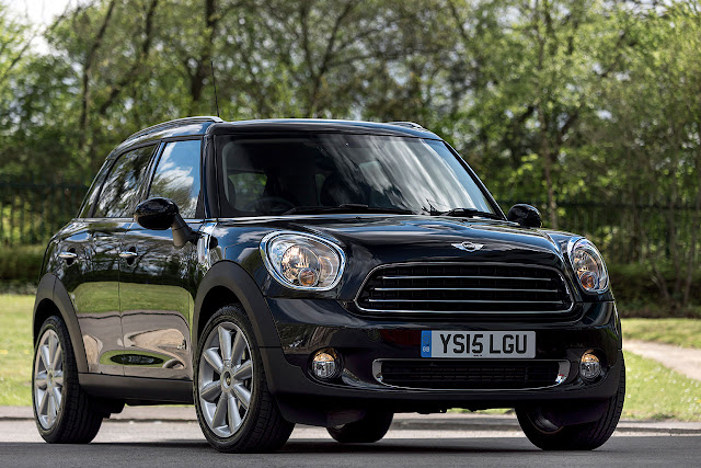 Mini Countryman goes All4 business