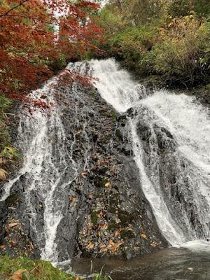 七滝の近景