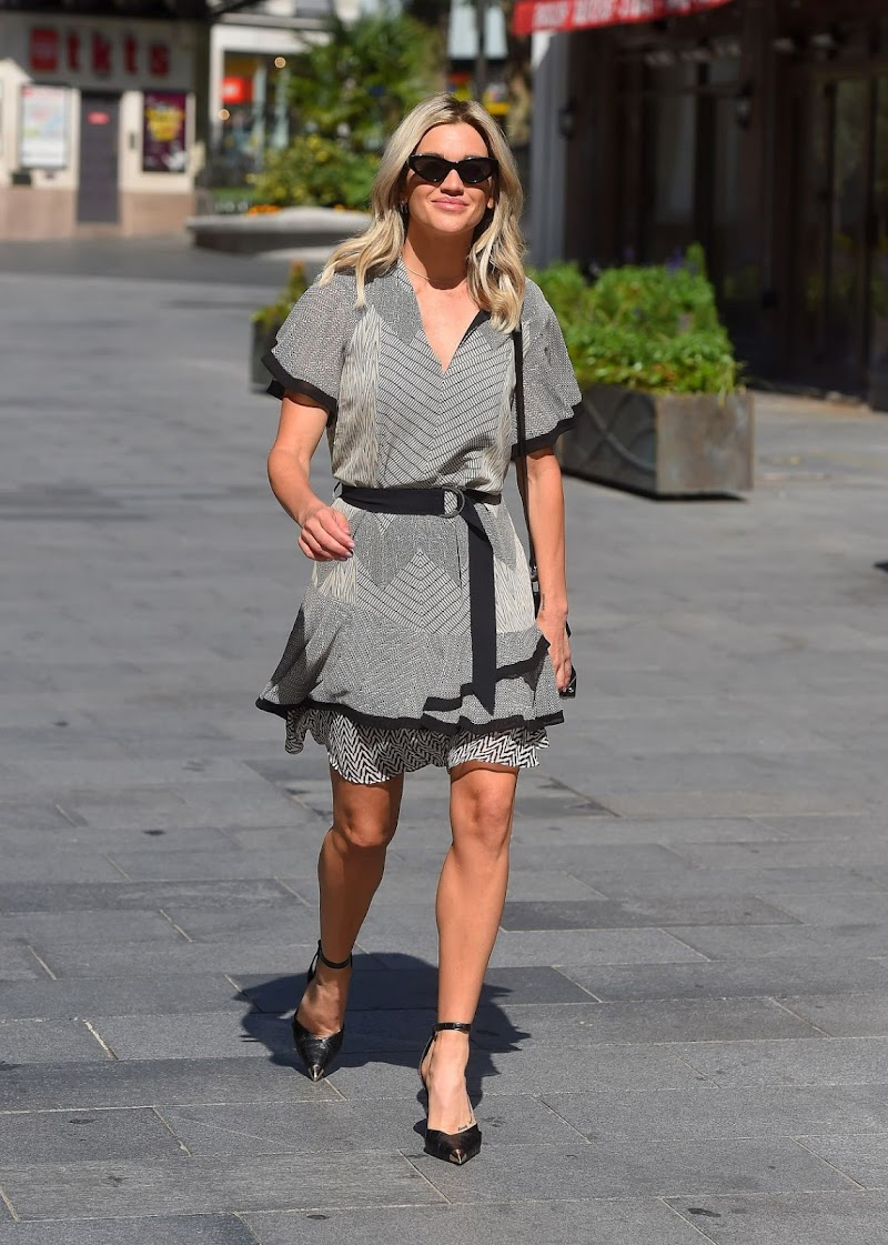 Ashley Roberts Arrives at Global Radio in London 23 Jun -2020