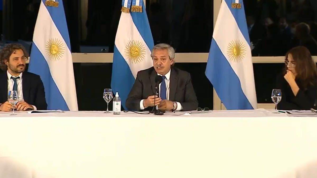 Fernández anunció una inversión de 29 mil millones para créditos para viviendas