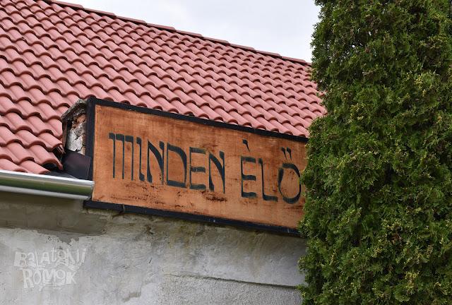 A zsidó temető ravatalozója kívülről.