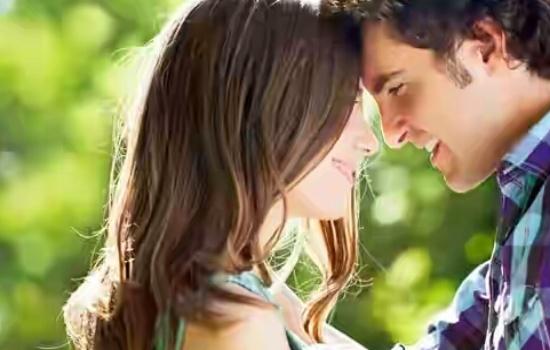 5 Hal yang Bisa Membuat Pria Tertarik pada Wanita