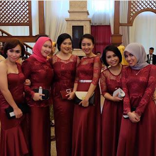 gaun pesta dengan rok panjang kebaya modern