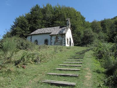 Ermita de Nuestra Señora de las Nieves - Paseo de los Sentidos - Parque Nacional de Irati - Navarra