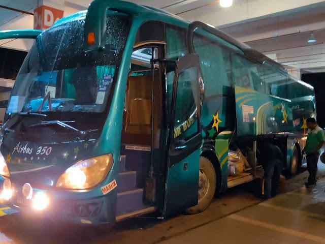 Perjalanan ke Miri menggunakan bus dari Kuching