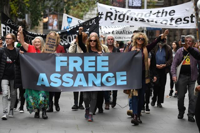 Assange e os vilões