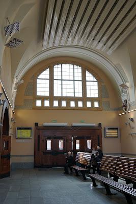 Wnętrze dworca Świdnica Miasto
