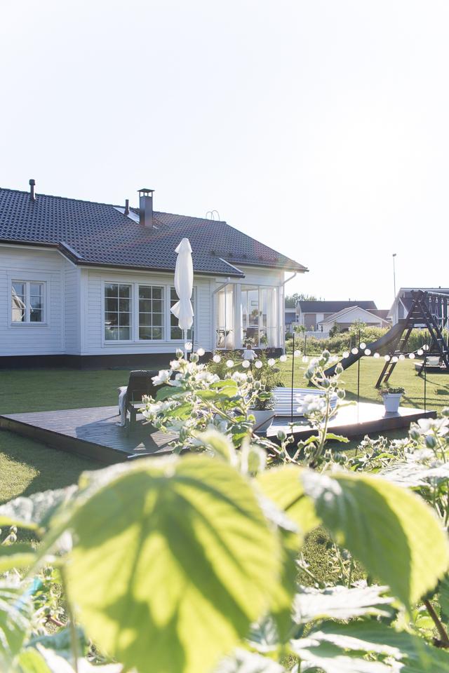 Villa H, piha ja puutarha, piha, leikkupuisto